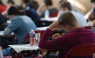 Les 850.000 collégiens français vont passer quatre épreuves en deux jours.