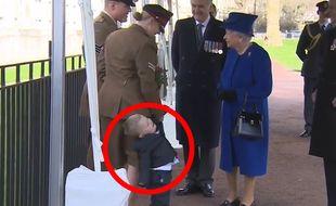 Un petit garçon pas très sage face à la Reine d'Angleterre - Le Rewind (video)
