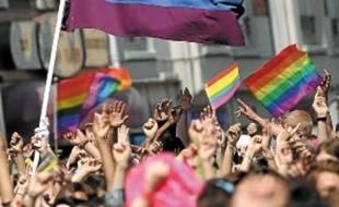 Selon une étude, les homosexuels sont moins payés que les hétérosexuels.