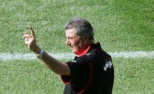Roger Lemerre, sélectionneur de la Tunisie, lors de la Coupe du monde 2006 en Allemagne. Ce vendredi, il revient à la Meinau comme coach de Sedan pour affronter le Racing club de Strasbourg en National.