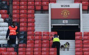 Les tribunes évacuées de Old Trafford