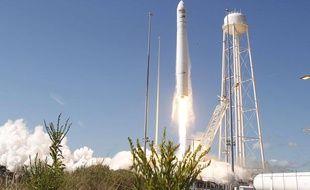 La fusée à deux étages  transportant Cygnus, décolle  depuis le centre des vols de Wallops, situé sur une île près de la côte  de Virginie (sud-est des Etats-Unis) le 18 septembre 2013.