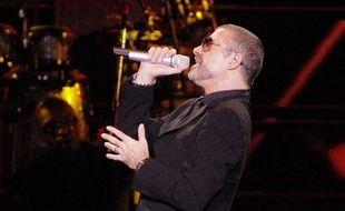 Le chanteur George Michael au Mediolanum Forum à Milan en 2011