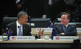 Le président américain Barack Obama (g), aux côtés du Premier ministre britannique David Cameron (d), lors d'un sommet sur le nucléaire à Washington le 1er avril 2016