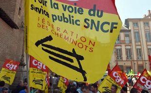 Banderoles de la CGT lors d'une manifestation de la SNCF à Paris, le 17 juin 2014