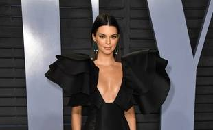 La top Kendall Jenner