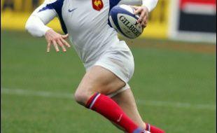 Thomas Castaignède, l'arrière du XV de France, touché par la grippe, a été le seul joueur dispensé d'entraînement jeudi, à trois jours du quatrième match du Tournoi des six nations de rugby, face à l'Angleterre, dimanche au Stade de France.