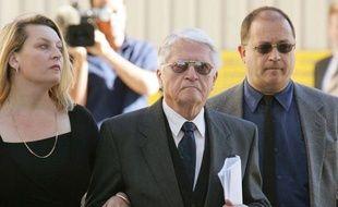 La justice australienne a définitivement rejeté mercredi l'arrêté d'extradition vers la Hongrie de Karoly Zentai, un Australien d'origne hongroise de 90 ans, poursuivi pour crime de guerre à Budapest pendant l'époque nazie.