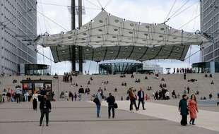 Le parvis de la Défense, près de Paris.