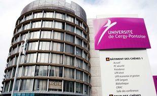 L'université de Cergy-Pontoise a reconnu lundi une maladresse après la diffusion d'un message à ses personnels visant à détecter des