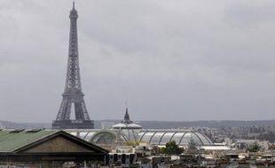 Le Grand Paris continuera de vivre avec le nouvel exécutif de gauche, mais dans une vision centrée sur les attentes des Franciliens plutôt que dans une compétition de métropoles, a promis mardi la ministre Cécile Duflot, dont les premiers pas sur ce vaste dossier étaient très attendus.