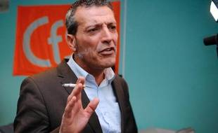Edouard Martin, ex-syndicaliste CFDT de l'aciérie Arcelor Mittal, aujourd'hui candidat socialiste pour les élections européennes de 2014, photographié le 18 décembre 2013 à Florange