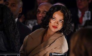 Certains attribuent la prise de poids de Rihanna à une grossesse