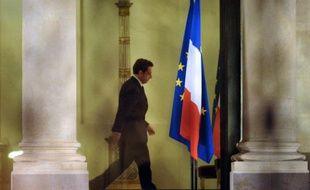 """La France a perdu vendredi son précieux """"AAA"""" auprès de Standard & Poor's (S&P), un coup de tonnerre au pire moment pour Nicolas Sarkozy à cent jours de l'élection présidentielle."""
