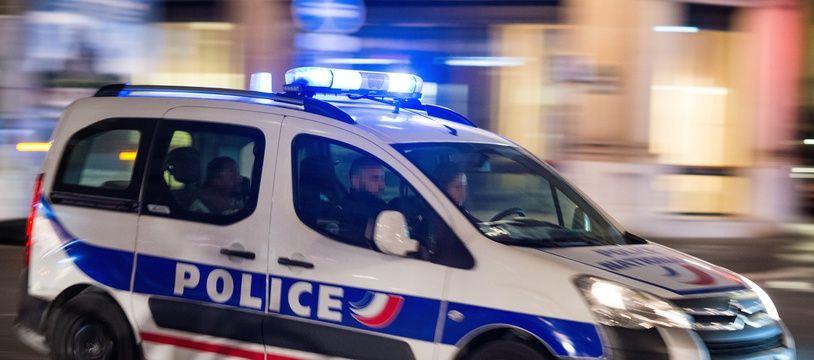 Une voiture de police en intervention à Paris (illustration).