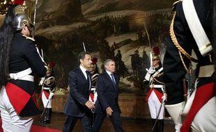Nicolas Sarkozy arrive avec Bernard Accoyer, président de l'Assemblée nationale, à Versailles où le Parlement est réuni en Congrès, le 22 juin 2009.
