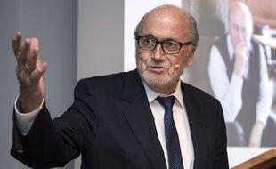 Sepp Blatter lors d'une intervention au club de football suisse du FC Thun, le 12 septembre 2016.