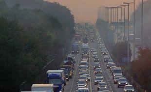 Un embouteillage sur une autoroute belge. Image d'illustration.