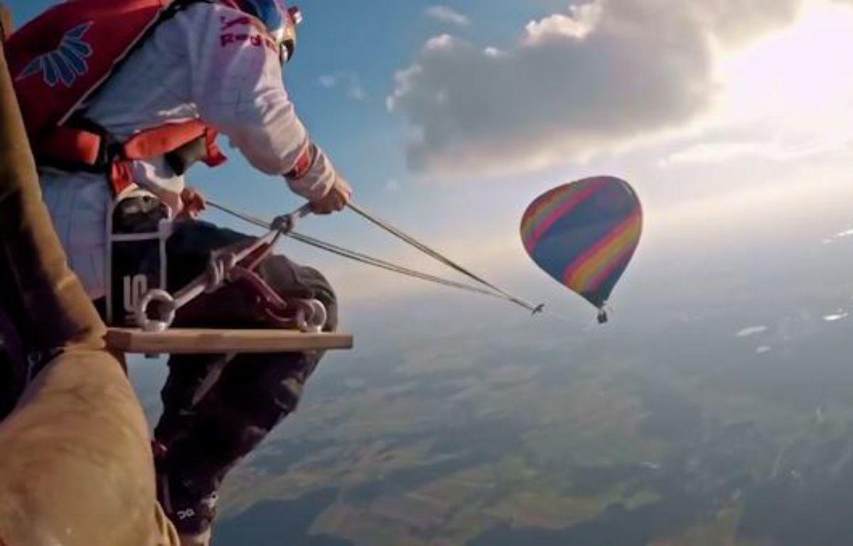 De la balançoire depuis des montgolfières  – capture d'écran