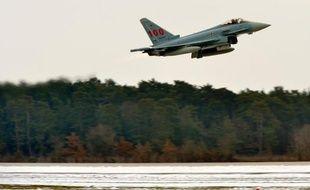 """Le géant européen de l'aéronautique EADS a démenti dimanche être écarté de l'appel d'offres concernant l'achat de 60 avions de combat par Séoul d'un montant de 7,3 milliards de dollars, balayant """"des rumeurs médiatiques"""" sud-coréennes."""