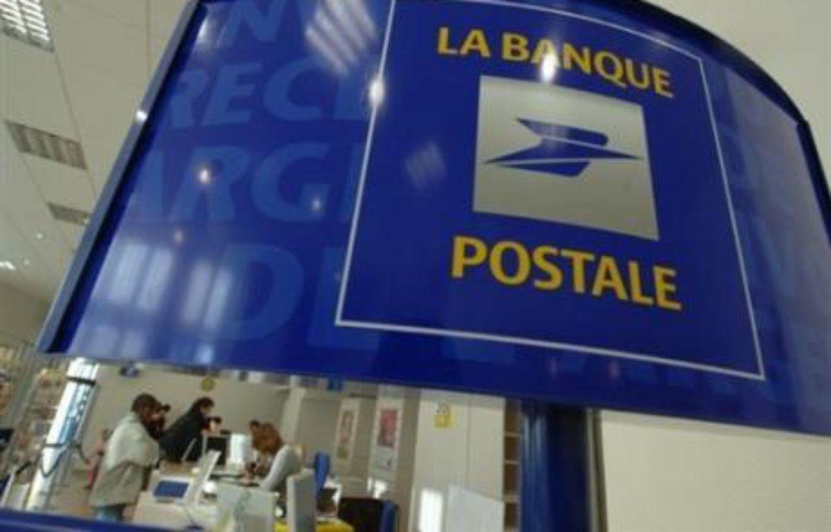 La ministre de l'Economie, Christine Lagarde, a annoncé mardi qu'elle étudiait la possibilité d'autoriser la Banque postale, la filiale bancaire de La Poste, à proposer des crédits à la consommation. – Mychele Daniau AFP/archives