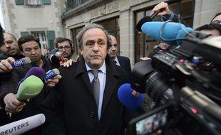Michel Platini à sa sortie du TAS, où il défendait sa cause après sa suspension par le comité d'éthique de la Fifa, le 8 décembre 2015.