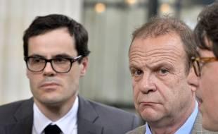 Le photographe François-Marie Banier et son compagon Martin le Barrois d'Orgeval / AFP PHOTO / GEORGES GOBET
