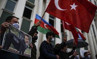 La Turquie a prévenu mercredi qu'elle allait répondre à cette dissolution.