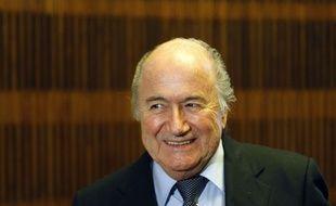 Le président la Fifa, Sepp Blatter tout sourire le 08 février 2011 à Prague
