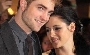 Robert Pattinson et Kristen Stewartlors d'une avant-première de Twilight, le 16 novembre 2011