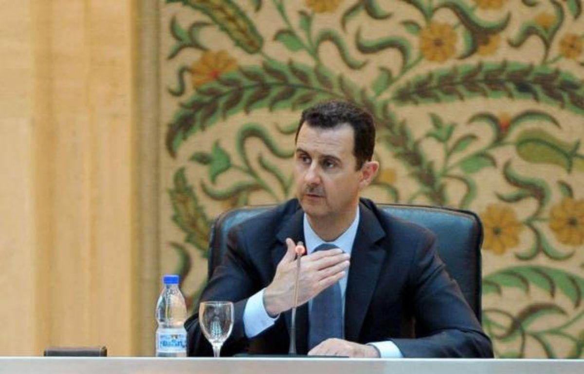 """Le président syrien Bachar al-Assad, confronté depuis 15 mois à une révolte populaire réprimée dans le sang, s'est dit déterminé à emporter """"la guerre"""" dans son pays, où les violences ne cessent de gagner en intensité avec plus de 115 morts mardi. –  afp.com"""
