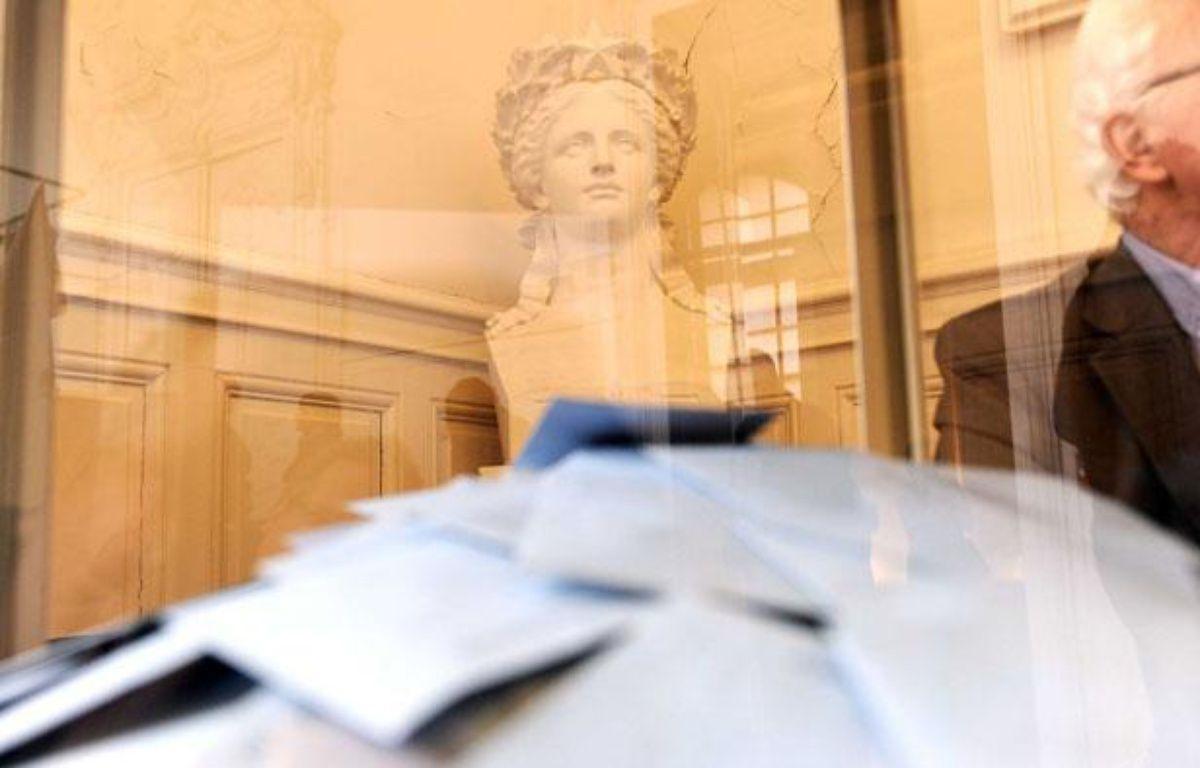 Les électeurs sont appelés aux urnes, pour le premier tour des élections législatives. – POL EMILE/SIPA