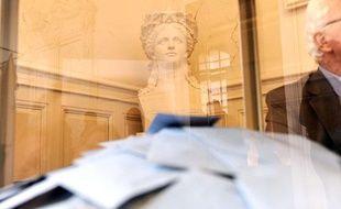 Les électeurs sont appelés aux urnes, pour le premier tour des élections législatives.