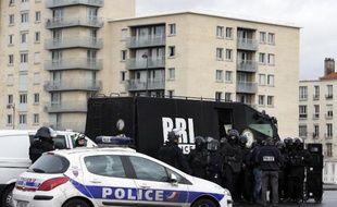 Des policiers de la BRI déployés le 9 janvier 2015 sur le périphérique porte de Vincennes