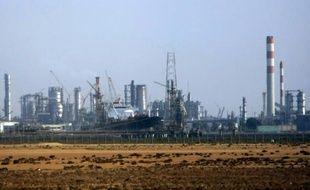Une raffinerie au nord de la ville saoudienne de Jeddah le 12 novembre 2007