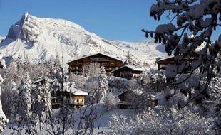 Au pied du massif du Mont Blanc, la très chic station de Megève, lieu de villégiature des grandes fortunes mondiales depuis des décennies, ne connaît pas la crise, mais compte bien rester discrète.