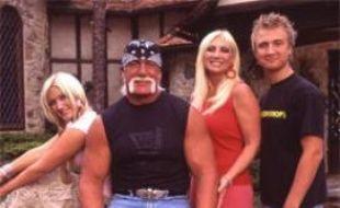"""Hulk Hogan et sa famille, pour l'émission """"Le monde merveilleux de Hulk Hogan"""", diffusé sur MTV."""