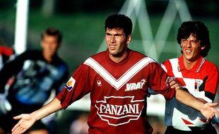 Zinédine Zidane lors de sa première saison sous le maillot des Girondins en 1992.