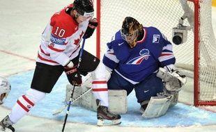 Le Canada a battu la France 7 à 2 (4-1, 1-1, 2-0) en match du tour préliminaire du Championnat du monde 2012 de hockey sur glace, lundi à Helsinki