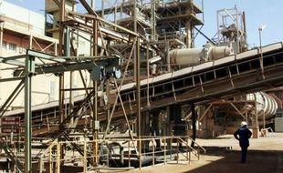 La Criirad, association spécialisée dans le suivi de la radioactivité, et l'ONG nigérienne Aghir in'man ont mis en cause jeudi le suivi par Areva du matériel utilisé dans les installations d'extraction d'uranium au Niger en affirmant que certaines pièces métalliques ont été récemment repérées chez un ferrailleur.