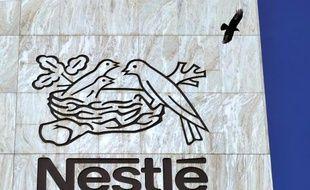 Nestlé a décidé d'arrêter la production de lasagnes et hachis parmentier surgelés dans son usine de Beauvais (Oise) supprimant au passage 120 postes, en raison d'un effondrement des ventes depuis le scandale de la viande de cheval, a-t-on appris jeudi auprès de la direction de Nestlé en France.