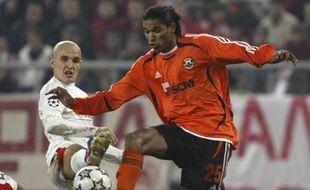L'attaquant brésilien Brandao, sous les couleurs du Shakhtar Donetsk, lors d'un match de Ligue des champions, le 6 décembre 2006, face à l'Olympiakos.