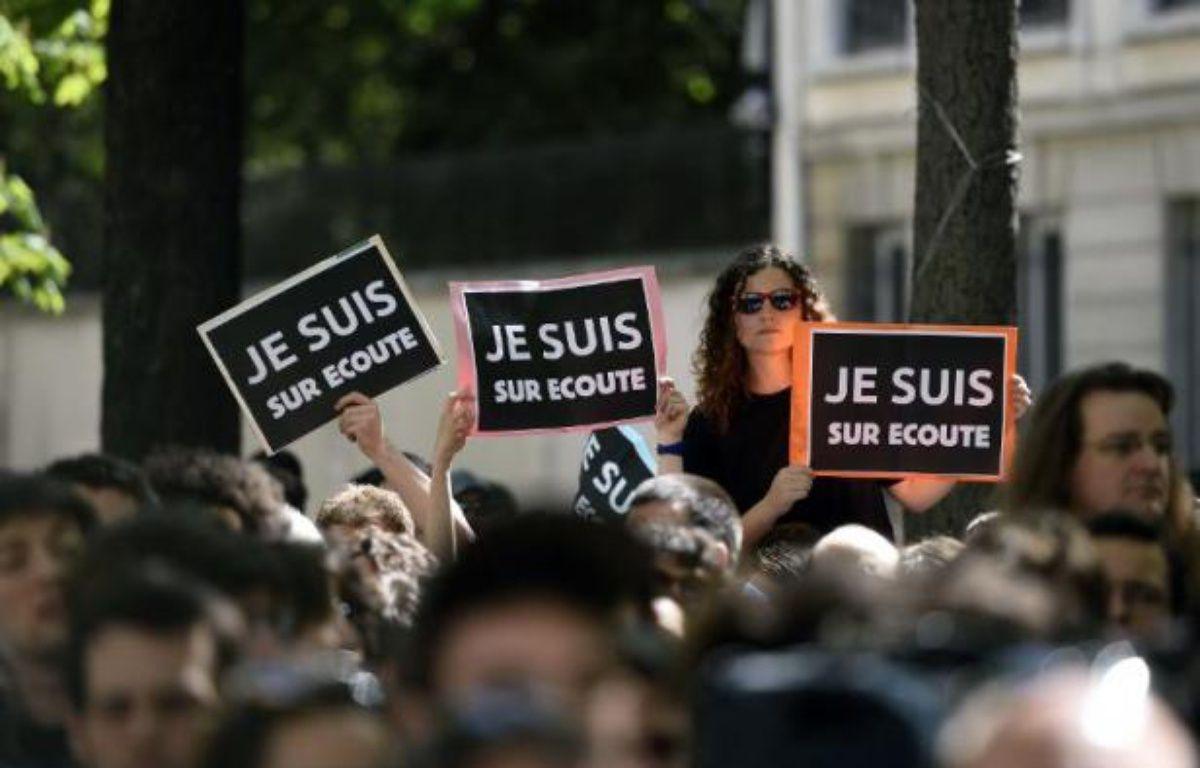 Manifestation dans les rues de Paris contre le projet de loi sur le renseignement, le 13 avril 2015 – ERIC FEFERBERG AFP