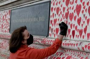 Le National Covid Memorial Wall en hommage aux victimes du coronavirus à Londres, au Royaume-Uni.