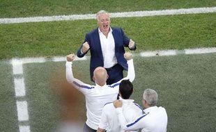 Didier Deschamps fou de joie après la victoire contre l'Allemagne.