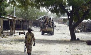 Des soldats tchadien en patrouille à Malam Fatori au Tchad, le 3 avril 2015