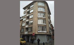 Cet immeuble de la rue Max Roos, à Schaerbeek, a été perquisitionné le 22 mars 2016.