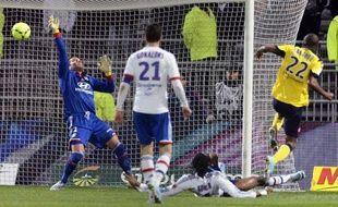 Une nouvelle fois inefficace, Lyon s'est incliné devant Sochaux (2-1) dimanche sur son terrain de Gerland, en match de la 30e journée de Ligue 1, et confirme ainsi sa nette baisse de régime depuis la trêve de Noël.