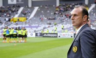 L'entraîneur nantais Michel Der Zakarian  AFP PHOTO / PASCAL PAVANI
