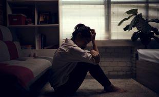Un mois après le début du confinement, 72% des jeunes de 18 à 30 ans avouent avoir des moments de déprime.